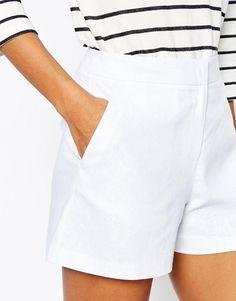 ASOS | ASOS - Pantaloncini svasati e sartoriali in lino su ASOS