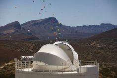 Parque Nacional de El Teide (Tenerife), Observatorio de Izaña inauguración del mayor telescopio solar de Europa (y tercero del mundo ), el Gregor. Photo: Desire Martin    Muchas horas para un breve instante.