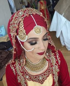 Who says you can't wear a necklace with your hijab? | 28 Stunning Brides Rocking… Bridal Hijab Styles, Disney Wedding Dresses, Muslim Brides, Pakistani Bridal Dresses, Pakistani Wedding Dresses, Dream Wedding Dresses, Muslim Girls, Modest Wedding, Printables