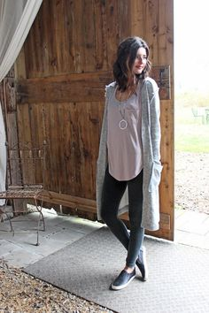 Legging Outfits, Cute Outfits With Leggings, Cardigan Outfits, Sporty Outfits, Outfits For Teens, Leggings Outfit Summer, Leggings Fashion, Gray Cardigan, Tunic Sweater