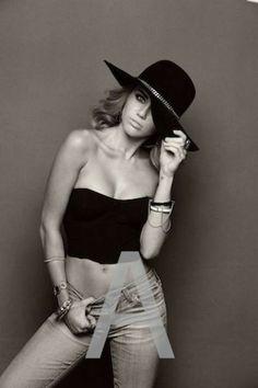 Miley Cyrus – Brian Bowen Smith Photoshoot 2012 – Outtakes