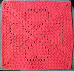 Crochet granny square pattern blanket red hearts ideas for 2019 Crochet Heart Blanket, Crochet Squares Afghan, Crochet Quilt, Crochet Blocks, Granny Square Crochet Pattern, Crochet Granny, Filet Crochet, Crochet Blanket Patterns, Crochet Motif