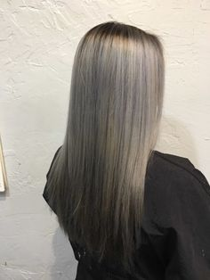 What is the difference between purple and blue shampoo? Best Blue Shampoo, Purple Shampoo, Brassy Hair, Beauty Advice, Blonde Hair, Skin Care, Long Hair Styles, Blonder Hair, Yellow Hair