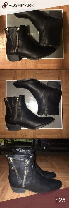 Black boots Black boots with gold zippers. Super cute but too big for me, these are a size 6 medium & I am usually a 5, 5 1/2 so these are true to size - will fit size 6 to 6 1/2. Worn 2 or 3 times, in great condition. Shipping w box ☺️ Secret Celebrity Shoes Ankle Boots & Booties