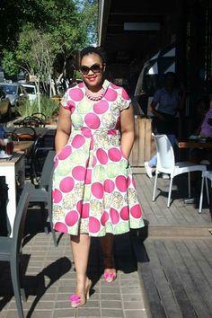 Plus Size Fashion - Afrikansiche Muster Prints - Diyanu Fashion African Fashion Ankara, African Inspired Fashion, African Print Fashion, African Print Clothing, African Print Dresses, African Dress, African Attire, African Wear, African Women