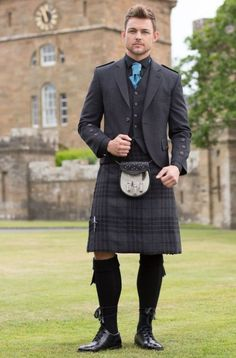 Mea Gloria Fides Kilt Wedding, Wedding Men, Wedding Suits, Tartan Wedding, Wedding Ideas, Scottish Dress, Scottish Man, Scottish Fashion, Kilt Jackets