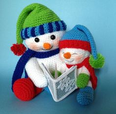 2015  Christmas Mother and daughter crochet snowman with snowflake book - stripe hat and scarf, Christmas decor