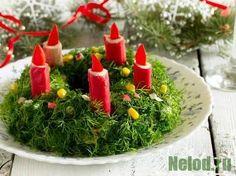 """Салат """"Рождественский венок"""" с крабовыми палочками http://nelod.ru/salat-rozhdestvenskij-venok-s-krabovymi-palochkami/ #салат #рождественский #рецепты #кулинария #вкусно"""