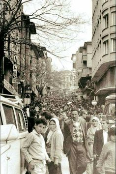 ÇIKRIKÇILAR  YOKUŞU Istanbul, Ottoman Empire, Historical Pictures, 14th Century, Ankara Styles, Once Upon A Time, Old Photos, Wonders Of The World, Street View