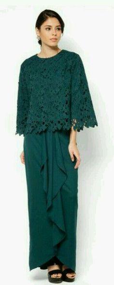 "Aria Hanna Baju Kurung ""Beautiful crochet overlay graces the bodice - giving it a more romantic look, while the flared skirt with stylized drapes adds dramatic flair to these modern kurung. Kebaya Lace, Kebaya Hijab, Batik Kebaya, Kebaya Dress, Batik Dress, Hijab Dress, Dress Lace, Muslim Fashion, Hijab Fashion"