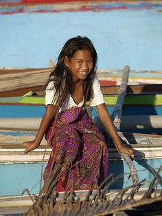 Girl from Sipadan Sempoma fishing village, Malaysia, photo by Jamie Oliver, 2008