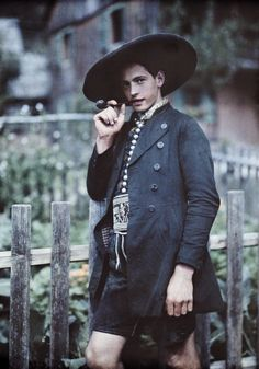 Vintage Dandy (I want this jacket)