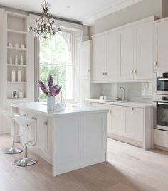 """White kitchen... with white accents! """"24 Sensational white dream kitchens you must see"""""""