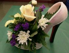 creative use of recycled shoes, DIY recycled crafts, DIY crafts for the home decor Deco Floral, Arte Floral, Floral Design, Flower Shoes, My Flower, Floral Centerpieces, Floral Arrangements, Centrepieces, Centerpiece Ideas