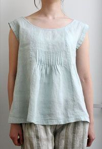 Pieced linen top, three front panels, middle time + pin tuck panel to help shape. Small pleated ruffle on extended shoulder cap sleeve Boho Fashion, Womens Fashion, Fashion Design, Sewing Blouses, Japanese Sewing, Dress Sewing Patterns, Sewing Ideas, Linen Blouse, Linen Dresses