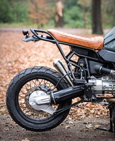 Our Friday custom motorbike crush comes from Netherlands-based Moto Adonis. This awesome build started as a BMW R1100GS from 1997, and was transformed into a stylish and cool scrambler. The bike was stripped to its essentials, the frame was completel
