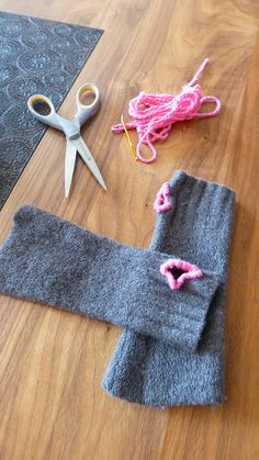 Felted fingerless gloves made from an old sweater @Kaitlin Streyle