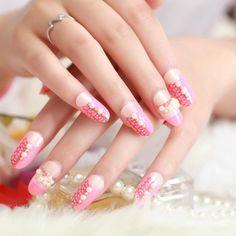 estilo sutil-elegante uñas rosa claro flores