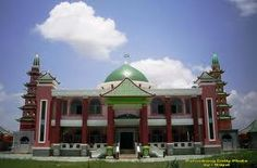 Muhammad Cheng Hoo Mosque in Palembang, Indonesia. The Architecture are blend of China, Arabic, and Indonesia.
