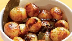 Ina Paarman`s sweet and sour pearl onions are excellent served hot or cold. They'll keep, covered, in the fridge for up to a month. Baked Vegetables, Veggies, South African Recipes, Delicious Dinner Recipes, Recipe Search, Onions, Baking Recipes, Vegetarian Recipes, Pearl