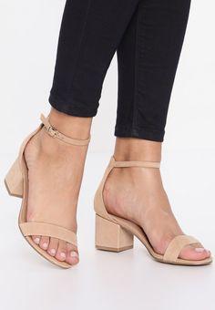 8d50c61e330a 130 besten Schuhe Bilder auf Pinterest   Adidas shoes, Loafers ...