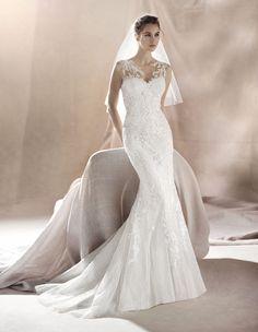 wedding dress saura