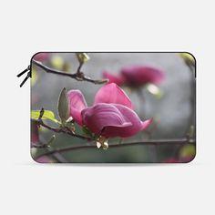 Magnolia in bloom - Macbook Sleeve
