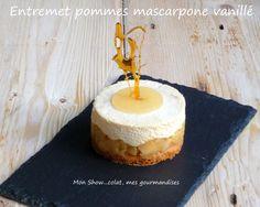 Entremet aux pommes et mousse de mascarpone à la vanille. Mousse Mascarpone, Thermomix Desserts, Vanilla Cake, Cravings, Cheesecake, Deserts, Gluten, Fruit, Eat
