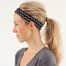 List of Cute Headbands to Keep Your Hair in Check at the Gym Cute Headbands, Headbands For Women, Hairband Hairstyle, Game Day Hair, Athletic Hairstyles, Yoga Hair, Cute Workout Outfits, Athletic Headbands, Lululemon Headbands