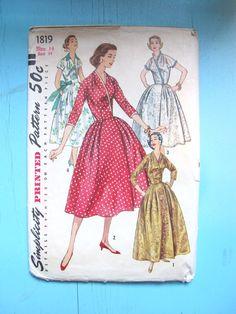 Fabulous Full Skirt Wrap Dress!