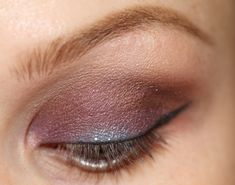 Makeup tutorial – brown with a twist. Using this for the Command Christmas Party tomorrow. Might use charcoal instead of brown. It will go great with my dark blue dress. :)