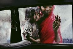 India. Rajasthan. 1983. Tormenta de Arena © Steve McCurry / Magnum Photos - Vanitatis