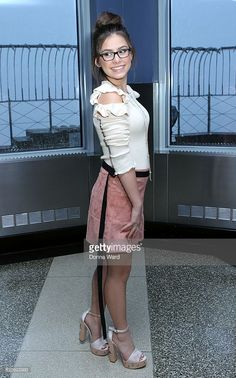 News Photo : Madisyn Shipman visits The Empire State Building. Beautiful Female Celebrities, Beautiful Actresses, Pretty Outfits, Cute Outfits, Disney Actresses, Nickelodeon Girls, Girls Short Dresses, Raw Women's Champion, Casual Street Style
