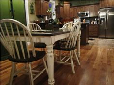 DIY: How to Stain and Distress a Table and Chairs…