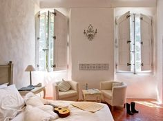 restored house in Provence (via Inspiring Interiors)