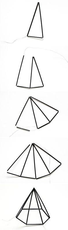 De strakke geometrische himmelis zijn vernoemd naar het Finse woord himmeli, wat hemels betekend. De himmelis werden gemaakt van stro en touw.