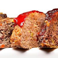 Add some spice to this comfort classic! Try this #chipotle beef and chorizo #meatloaf!