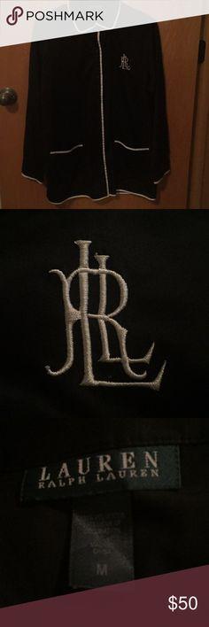 Lauren Ralph Lauren Silk Pajama Set Lauren Ralph Lauren Silk Pajama set. Size medium. In new condition. Lauren Ralph Lauren Intimates & Sleepwear Pajamas