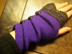 button fingerless gloves with lace from old sweater tutorial