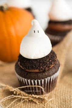 Ghost Cupcakes | chocolateandcarrots.com #halloween #recipe