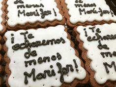 Estas galletas han sido el regalo de despedida para una amiga! Se lleva un dulce regalo!  #villabakery #villabakeryonline #reposteriacreativa #reposteriaartesanal #galletasdecoradas #galletasdechocolate #dulceregalo #regalodedespedida