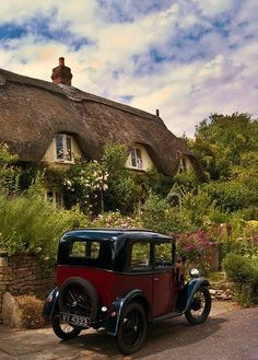 Thatched Cottage and Vintage Car in Lacock, Wiltshire, England. Lacock is a village in the rural county of Wiltshire, England.The village is owned almost in its entirety by the National Trust and. English Country Cottages, English Village, English Countryside, English Manor, English Style, Cottages Anglais, Photos Voyages, England And Scotland, Old World Charm