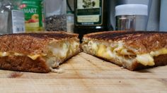 Green chili mac and cheese grilled cheese with provolone and american. Best grilled cheese I've made so far. [OC]