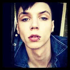 andy biersack no makeup short hair - Google Search