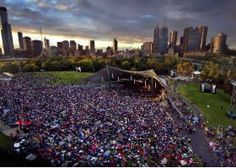 An Aussie Christmas tradition: singalong carols in the park. Over 100 000 people go to Carols in the Domain (Sydney) each year. Aussie Christmas, Spiritual Beliefs, Holiday Break, Enjoy The Sunshine, Australia Living, Happy Smile, Small World, Melbourne, Sydney
