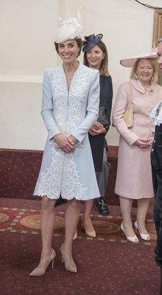 dailymail:  Luncheon in Honor of Queen Elizabeth's 90th Birthday, Guildhall, June 10, 2016-Duchess of Cambridge with her personal assistant Rebecca Deacon in dark blue