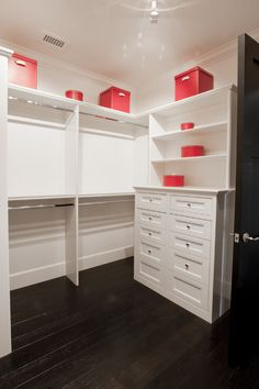 1000 Images About Walk In Closets On Pinterest Hanging