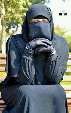 5 Factors How to Choose the Right Hijab Hijab Niqab, Muslim Hijab, Mode Hijab, Niqab Eyes, Arab Girls Hijab, Girl Hijab, Muslim Girls, Hijabi Girl, Niqab Fashion