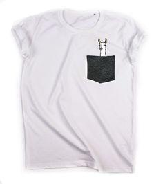 LAMA w kieszonce - BIAŁA koszulka - LUŹNA - POKETY - Koszulki i bluzy