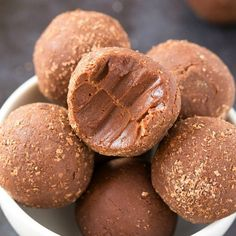 3 Ingredient Paleo Vegan No Bake Brownie Bites (Keto, Sugar Free)- A quick and easy energy ball recipe which tastes like brownies- Low carb and gluten free!